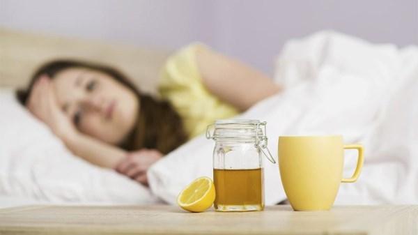 Jarabe de miel y própolis para el dolor de garganta