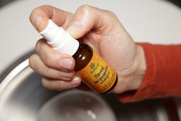 Beneficios del spray de própolis con eucalipto, limón y romero