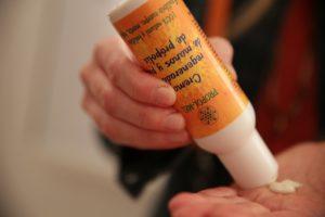 Crema regeneradora manos y pies propolis