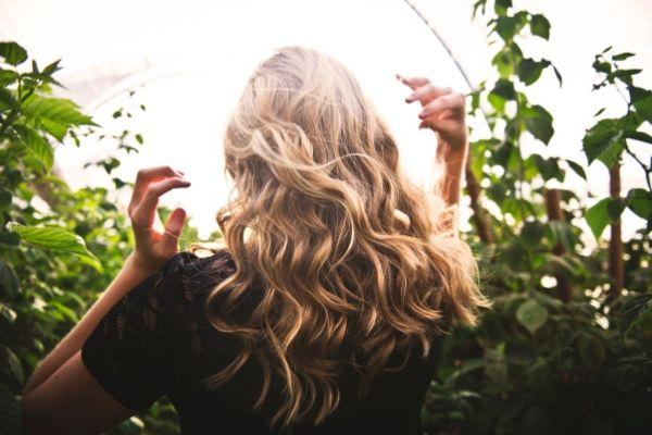 Cómo cuidar el cabello en verano paso a paso